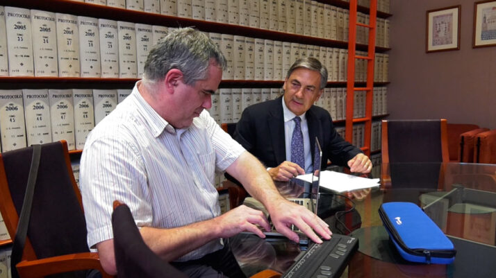 Reformat el Codi Civil per eliminar les discriminacions per als testadors amb discapacitat visual i auditiva